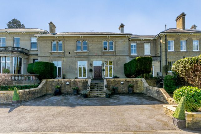 Thumbnail Flat to rent in Longcross Road, Longcross, Chertsey
