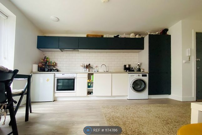 Studio to rent in Crosby House, Bromley BR1