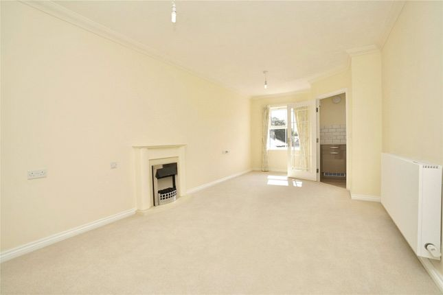 1 bed flat for sale in Moorhouse Lodge, Edison Bell Way, Huntingdon, Cambridgeshire PE29