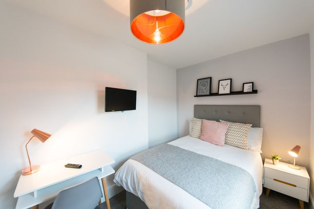 Room to rent in Henry Street, Reading
