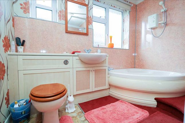 Family Bathroom of Lincoln Road, Metheringham, Metheringham, Lincoln LN4