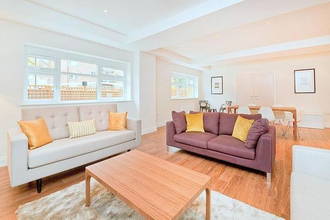 Thumbnail Town house to rent in Belsize Road, London