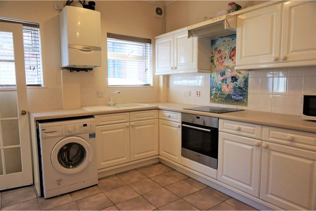 Thumbnail Semi-detached house to rent in Reginald Street, Luton