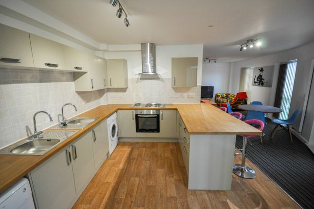 Thumbnail Flat to rent in 8 Bedroom Flats - Smithdown Road, Wavertree