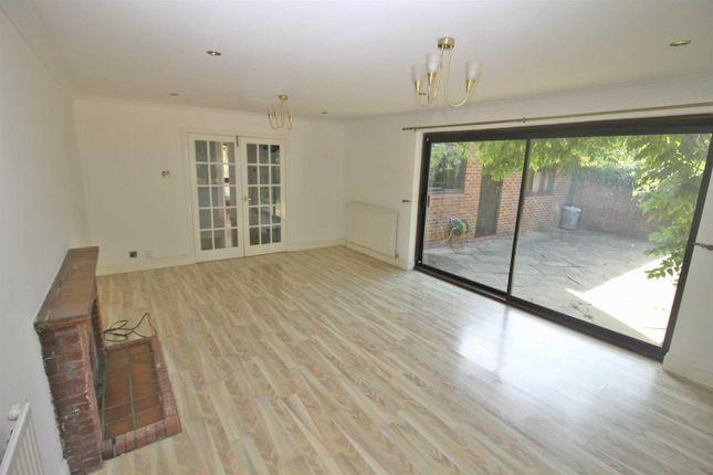 Thumbnail Detached house to rent in Haythrop Close, Downhead Park, Milton Keynes