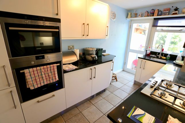 Thumbnail Terraced house to rent in Boundary Close, Woodstock