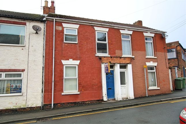 Thumbnail Terraced house to rent in Railway Crescent, Withernsea, East Riding Of Yorkshire