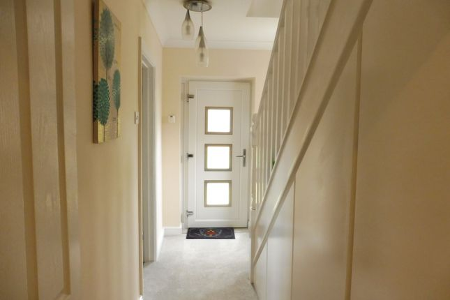 Entrance Hall of Quern Way, Darfield S73