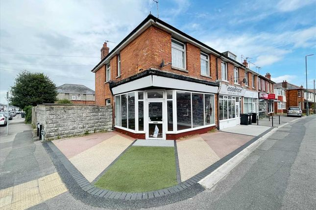 3 bed maisonette for sale in Columbia Road, Ensbury Park, Bournemouth BH10
