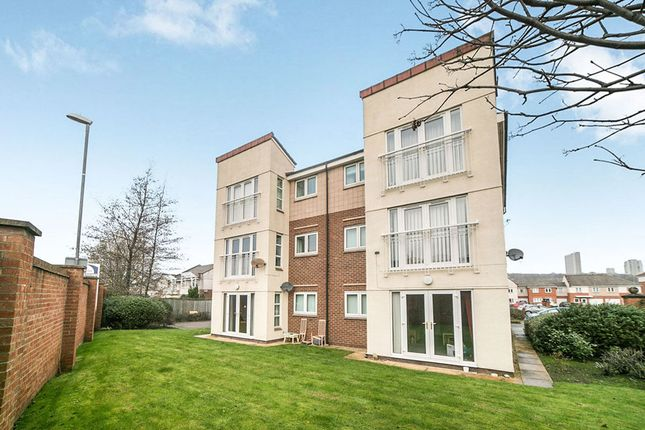 Thumbnail Flat to rent in Cormorant Drive, Dunston, Gateshead