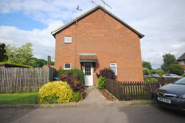 Thumbnail Semi-detached house to rent in Barnfield Way, Hurst Green, Oxted