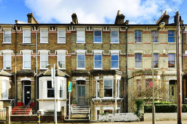 Thumbnail Flat to rent in Ramsden Road, Nightingale Triangle