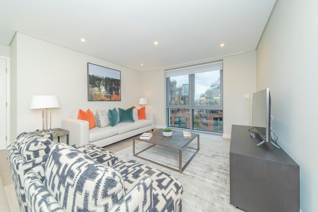 3 bed flat to rent in Merchant Square, London W2