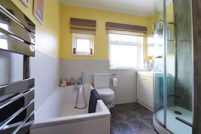Family Bathroom of Preston Drive, Bexleyheath DA7