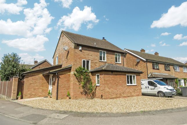 Thumbnail Detached house for sale in Vicarage Close, Langford, Biggleswade