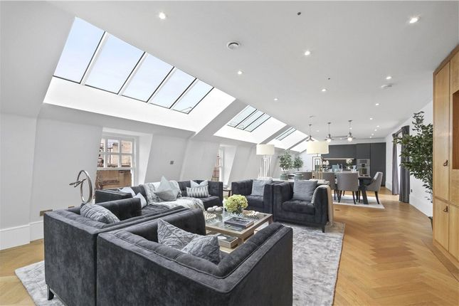 Thumbnail Flat to rent in Bedford Street, Covent Garden, London