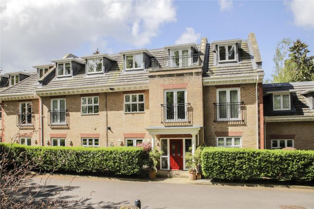 Thumbnail Flat for sale in Wellington Mansions, Ardwell Close, Crowthorne, Berkshire