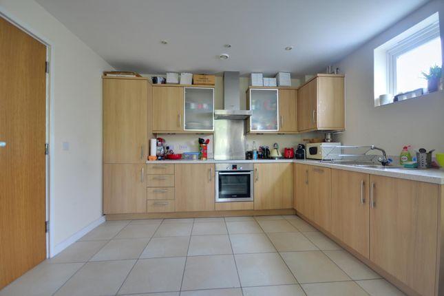 Thumbnail Flat to rent in Hercies Road, Uxbridge, Middlesex