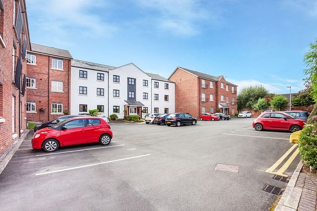 Thumbnail Flat for sale in Canal Road, Congleton