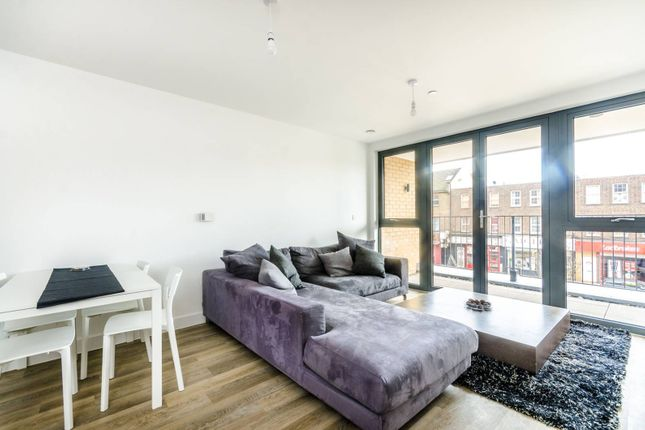 Thumbnail Flat to rent in High Street, Sutton
