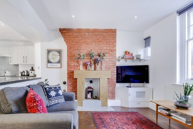 Thumbnail Flat to rent in Fl. 33, Henley House, Swanfield Street, London