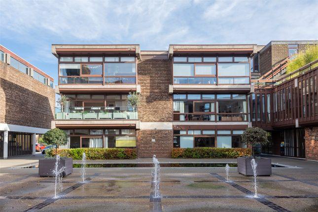 2 bed flat for sale in Cabanel Place, Kennington SE11