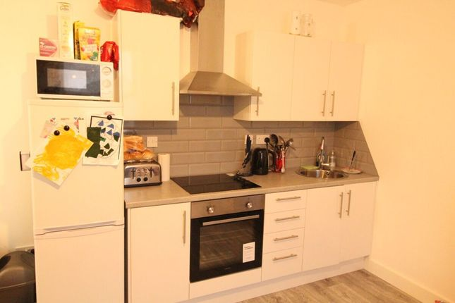 Thumbnail Flat to rent in Ellison Street, Glossop