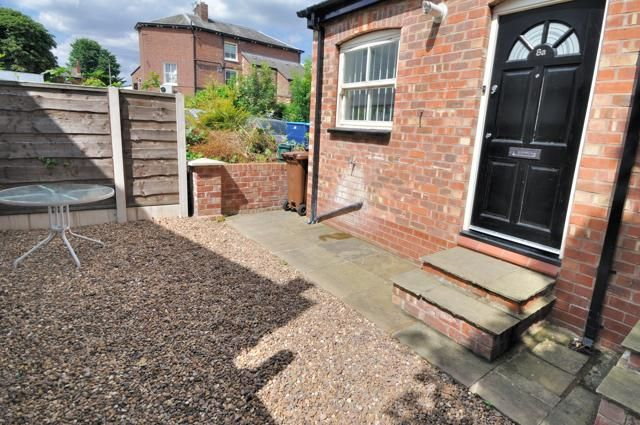 Thumbnail Flat to rent in Buxton Road, Heaviley, Stockport, Cheshire
