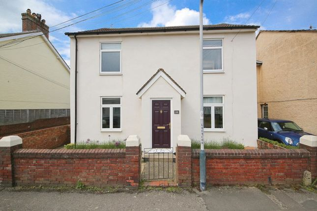 Thumbnail Detached house for sale in Holden Park Road, Southborough, Tunbridge Wells