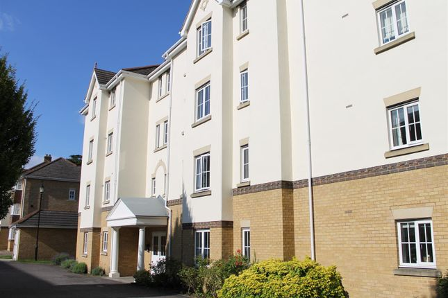 Thumbnail Flat for sale in St. Andrews Gate, Heathside Road, Woking