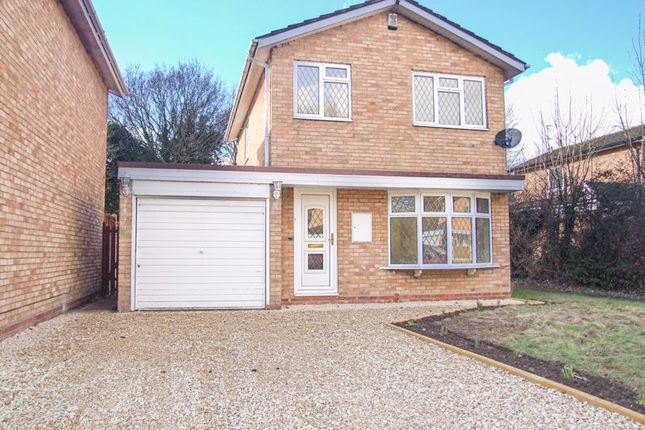 3 bed detached house to rent in Norton Close, Redditch B98