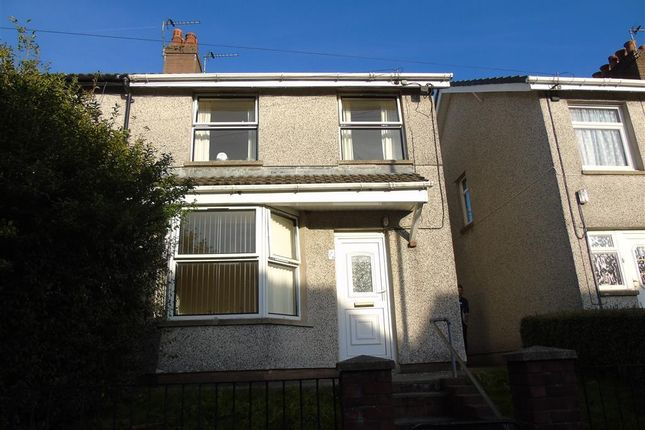 Thumbnail Property to rent in Pencoed Avenue, Cefn Fforest, Blackwood