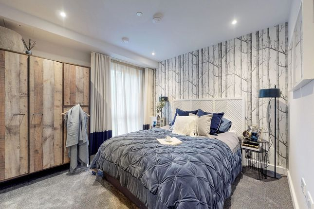 2 bedroom flat for sale in Fibus House, 8 Old Barn Lane, Whyteleafe, Surrey