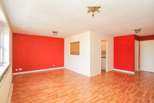 Thumbnail Flat to rent in Tong Street, Bradford