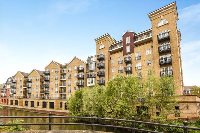 3 bedroom flat to rent in Riverside House, Fobney Street, Reading, Berkshire