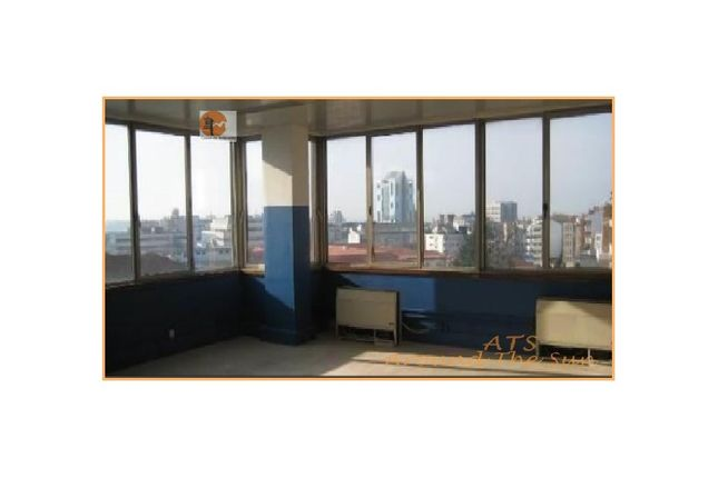 Property for sale in Porto, 4000-285 Porto, Portugal