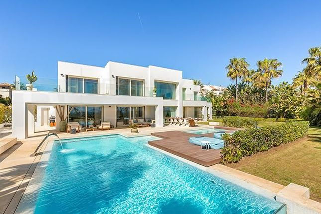 Thumbnail Villa for sale in Golden Mile, Marbella, Málaga, Spain