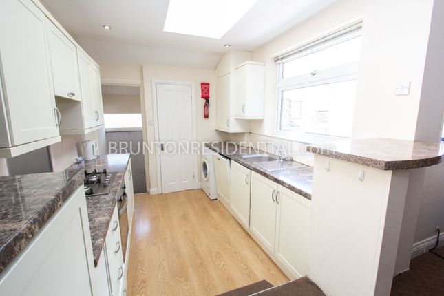 Thumbnail Maisonette to rent in Newlands Road, Newcastle Upon Tyne