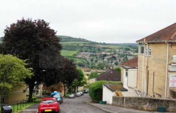 Thumbnail Shared accommodation to rent in Tyning Terrace, Bath