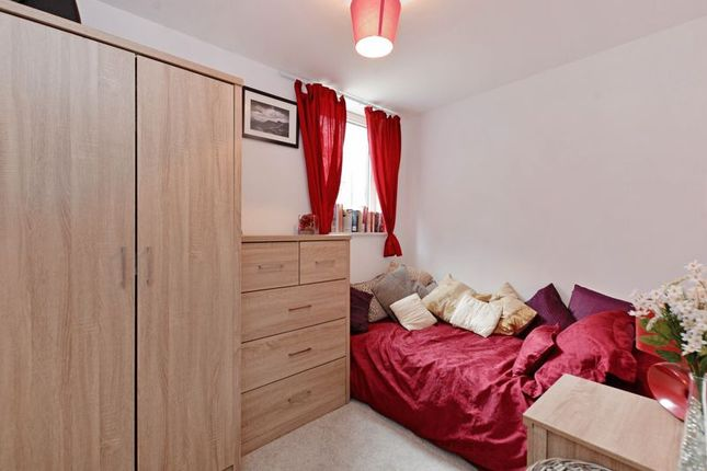 Bedroom 2 of Cornish Square, Kelham Island, Sheffield S6