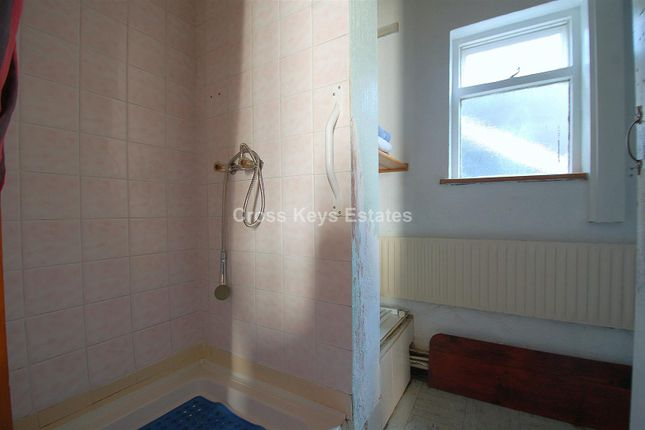 Bathroom B of St. Georges Terrace, Plymouth PL2