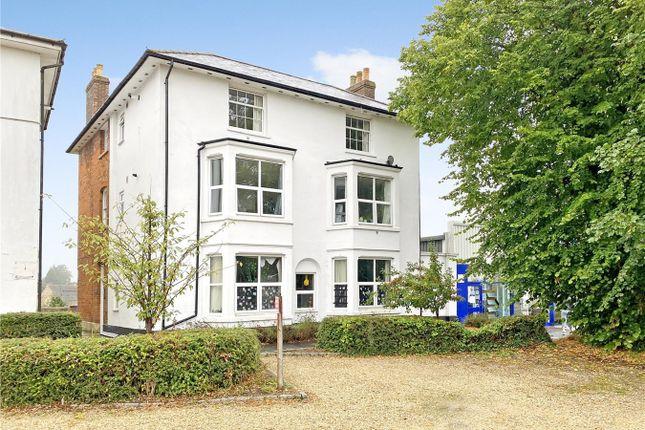 Thumbnail Flat for sale in White Hart Walk, Faringdon