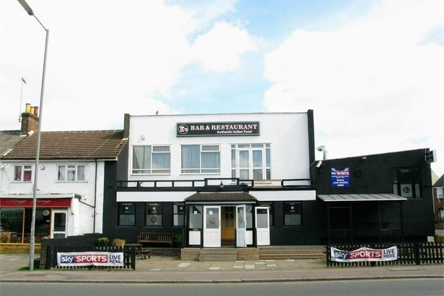 Thumbnail Commercial property for sale in K's Bar & Restaurant, High Street South, Dunstable, Bedfordshire