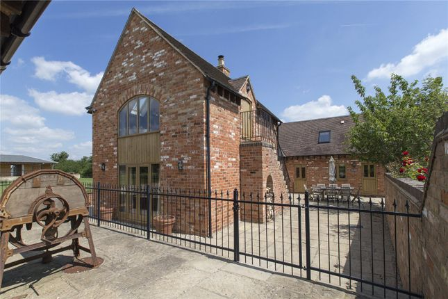 Exterior of Paddle Brook Barns, Moreton-In-Marsh, Gloucestershire GL56
