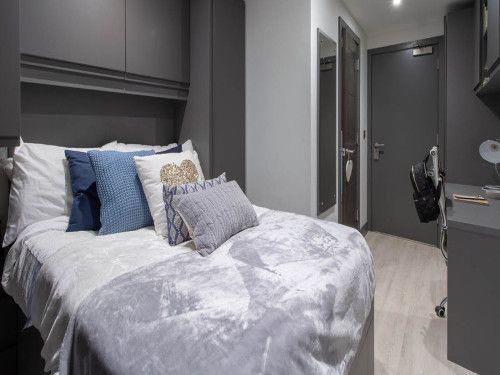 Flat in  Premium  Bed Apartment  Parkside  Coventry  Birmingham