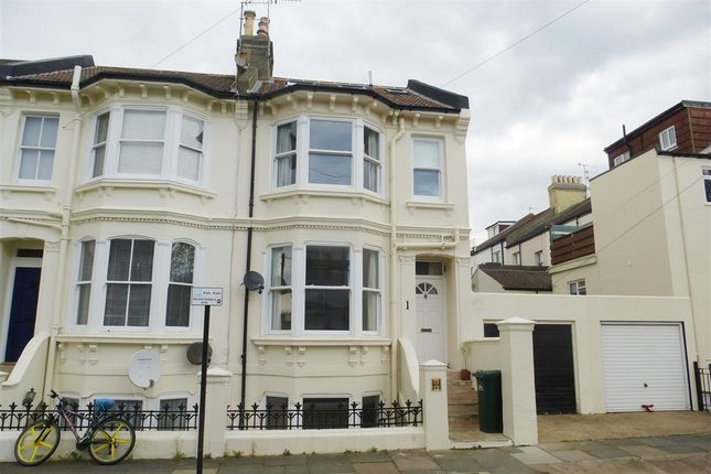 Thumbnail Property to rent in Cowper Street, Hove