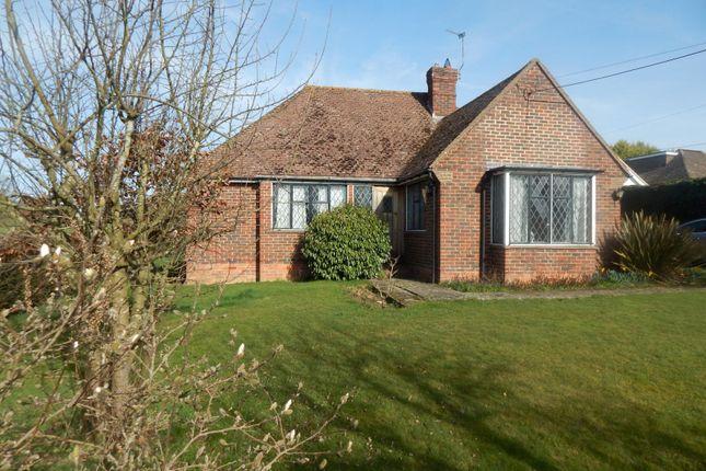 3 bed bungalow to rent in Oakhurst Lane, Loxwood, Billingshurst