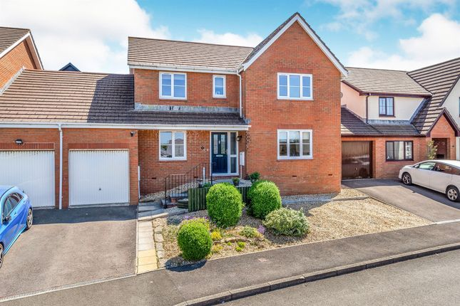 Thumbnail Link-detached house for sale in Clos Castell Newydd, Bridgend