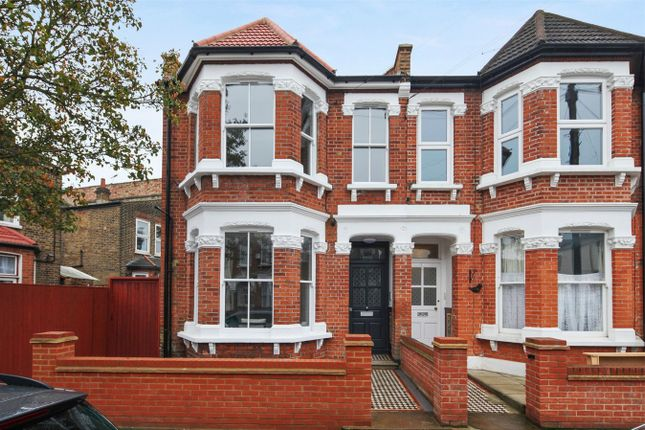 Thumbnail Flat for sale in Hillcrest Road, London