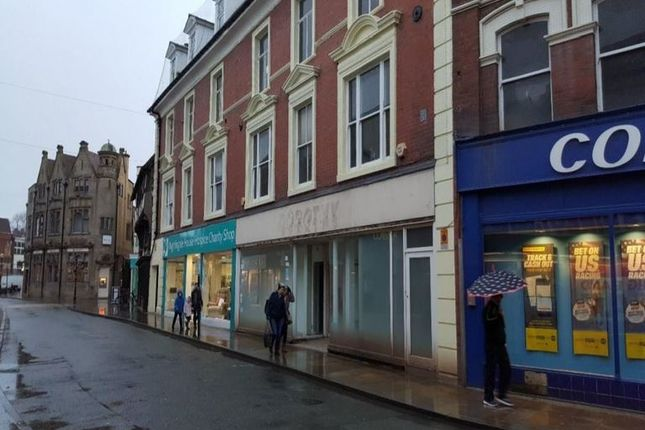Retail premises to let in The Cross, Oswestry